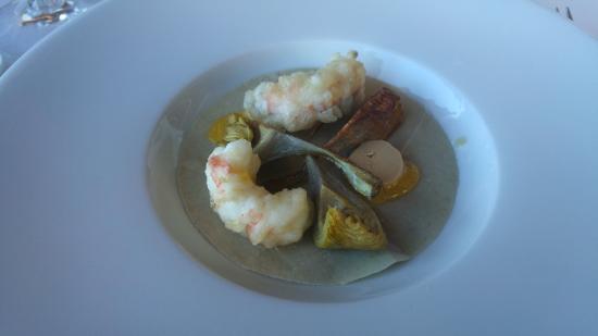 gambas tempura amb alcachofas cruixents