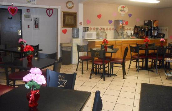 Super 8 Lake Havasu City: Valentine's Day