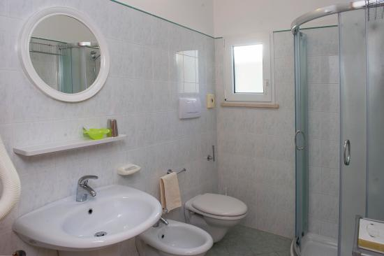 Residence Hotel Saturnia: Bagno