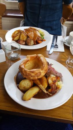 Sopley, UK: Roast Beef and Roast Turkey