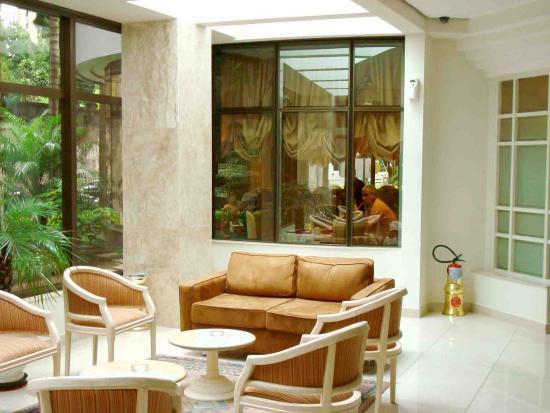 Paulista Wall Street Suites: Área comum