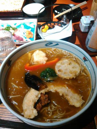 Sakaiya: 古河市で売り出し中の七福カレーそば。ボリュームたっぷりです。