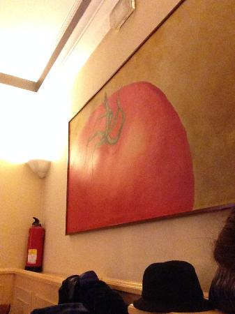 Casa Adolfo: cuadro tomate