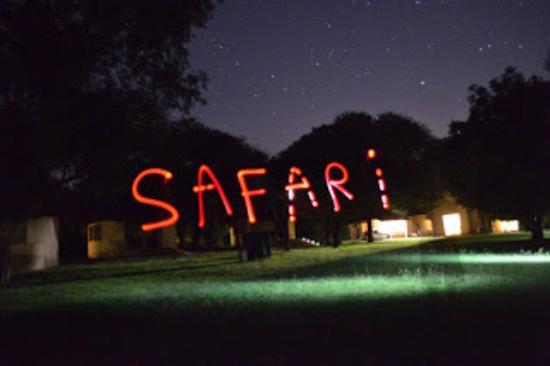 Skukuza Rest Camp : Foto feita com jogo de luz e câmera