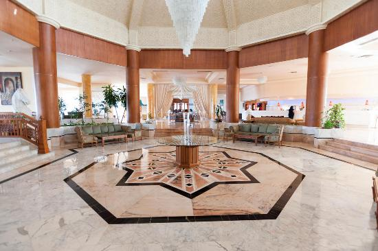 Bellevue Park: Lobby - Reception
