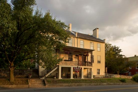 Jacob Rohrbach Inn: Daybreak at the Inn