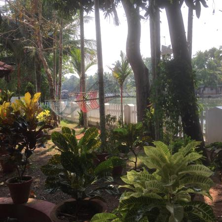 Nice hotel by the backwaters