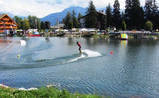 LEtang long et son ski nautique tir par cables Picture of Crans