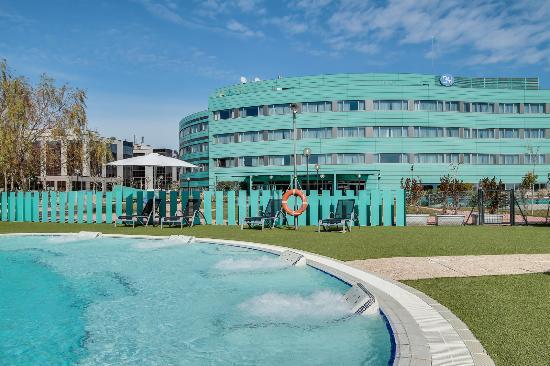 Swimming Pool Picture Of Bah Barcelona Airport Hotel El Prat De Llobregat Tripadvisor