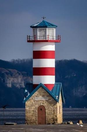 Grafton, Илинойс: Lighthouse located along the river