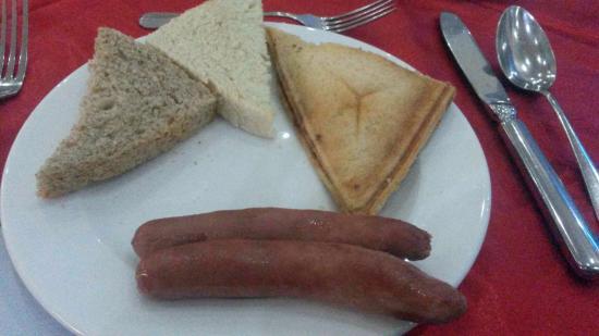 Reiz Continental Hotel: Breakfast ... :-/