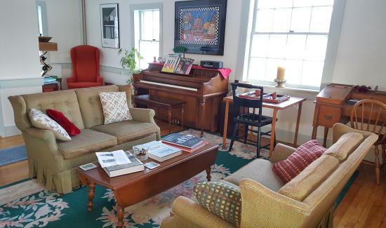 Chocorua, NH: Guest Living Room