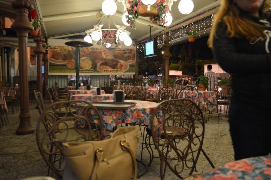 La Universal Restaurante Bar