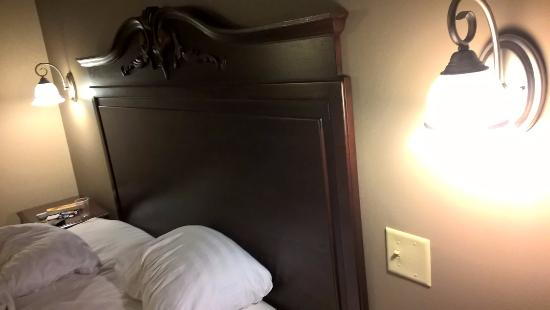 Best Western The Hotel Chequamegon One Light Switch For Two Lights By Bed