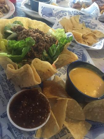 Jersey Village, TX: Willie's Grill & Icehouse