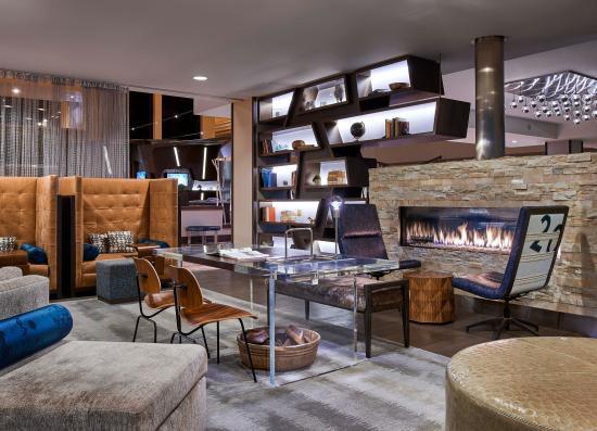 Renaissance Denver Stapleton Hotel: Library