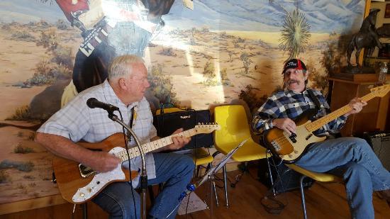 Rex Allen Arizona Cowboy Museum: Live music