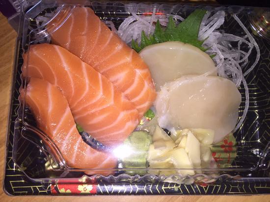 Oishii: Salmon and Scallop Sashimi