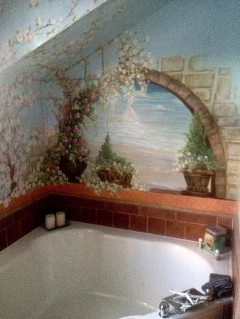 The Mission Inn: Santa Clara tub / EXTRA ROOMY