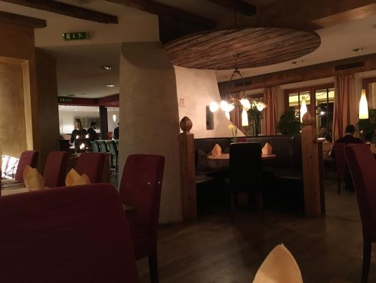 Hotel Zillertaler Hof: Nice atmosphere, pretty interior.  Usually not fast service, but really tasty food! XL-Schnitzel