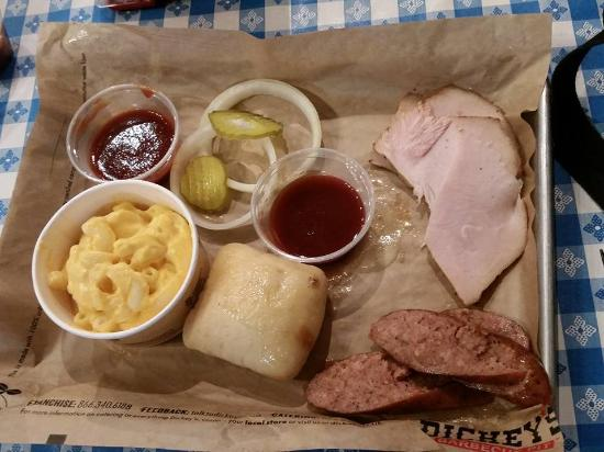 Photo of BBQ Joint Dickey's Barbecue Pit at 1448 Waukegan Rd, Glenview, IL 60025, United States