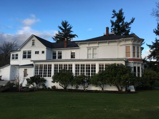 Chevy Chase Beach Cabins : Main house