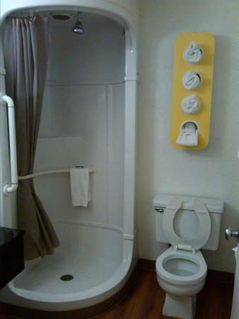 Motel 6 Jacksonville - Orange Park: bathroom