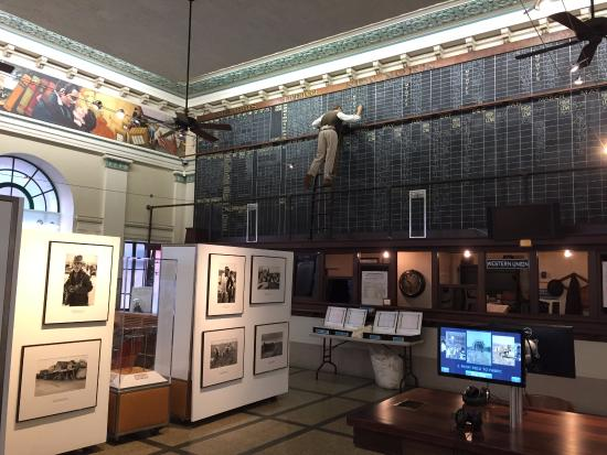 The Cotton Museum at the Memphis Cotton Exchange: Interior of the trading room