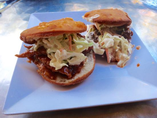 Luquillo Beach BBQ: Pulled pork arepas