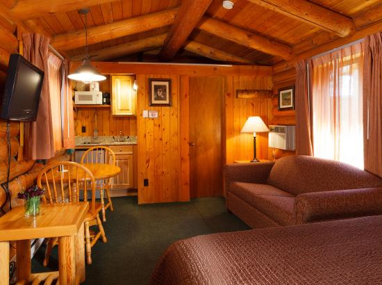 Cowboy Village Resort: Studio Queen Cabin