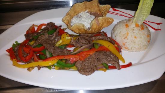 Las Olas Restaurant Grill & Bar : Fajita Plate