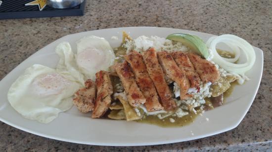 Las Olas Restaurant Grill & Bar: Chilaquiles Verdes