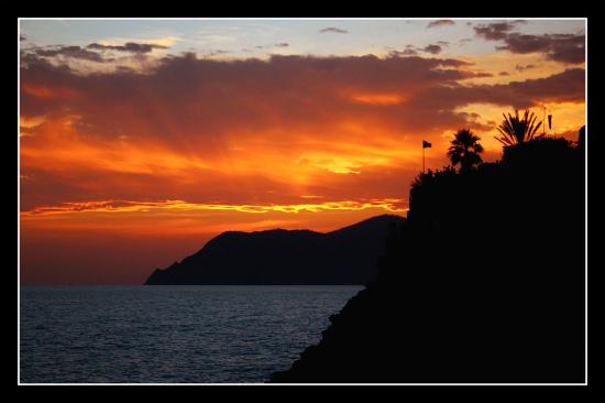 Il Carugio : Sunset in Manarola