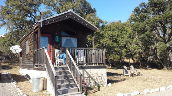 Tonkawaya Ranch B&B: Relax on the porch - Windmill Cabin