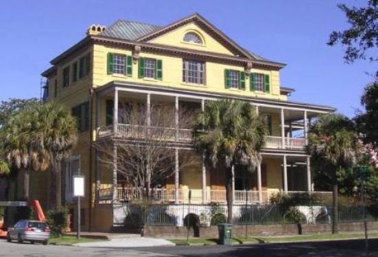 Picture of aiken rhett house charleston for Aiken house