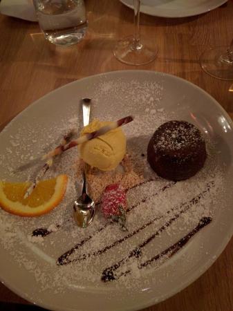 Sjokoladefondant picture of casa mia ristorante cucina - Mia la casa italiana ...