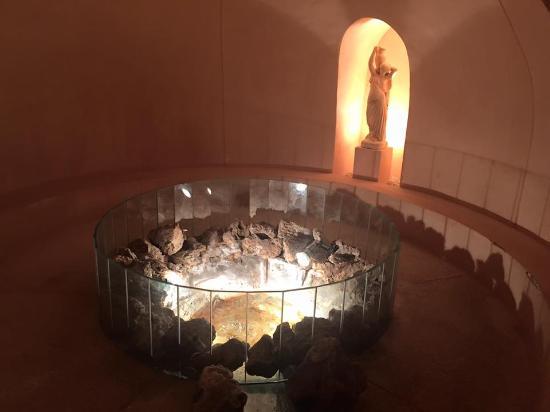 Fortuna, España: Esto es espectacular, es el lugar donde emana el agua termal. Brutal