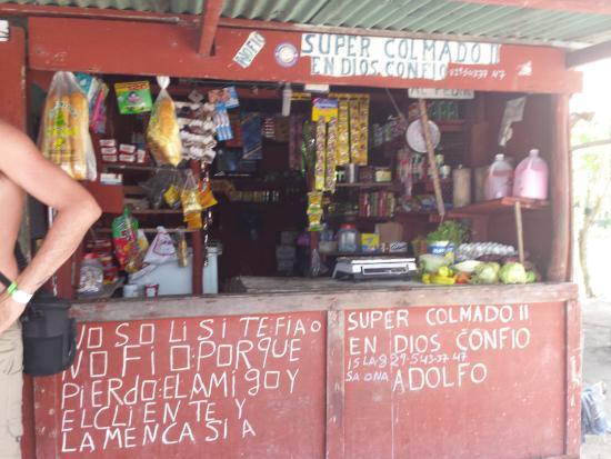 Bayahíbe, República Dominicana: supermarche de l ile