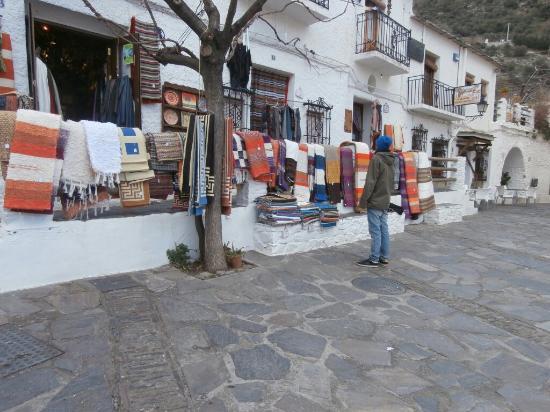 Pampaneira, Espanha: C360_2016-02-15-20-48-48-760_large.jpg