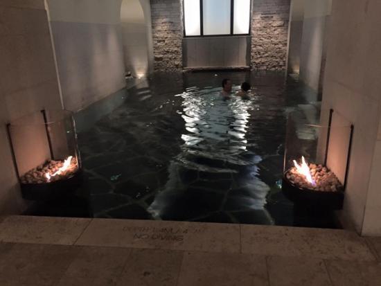 โรงแรมแกรนด์: Spa pool