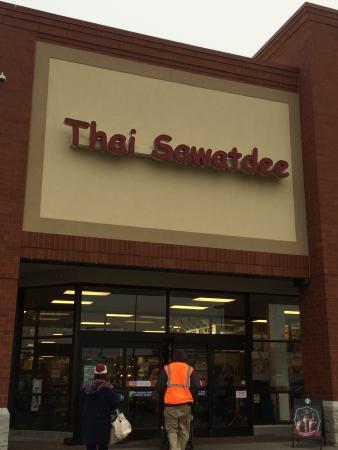 Thai Sawatdee: Outside