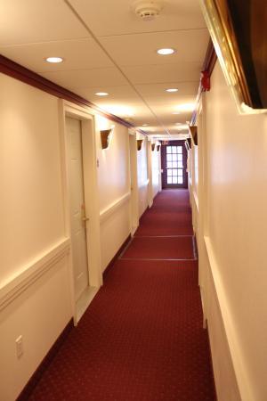 Brownville, NE: room hallway