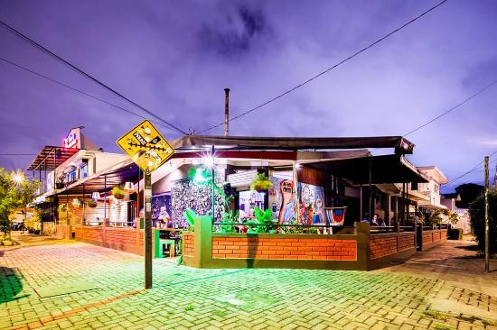 Agüizotes Gastro Pub