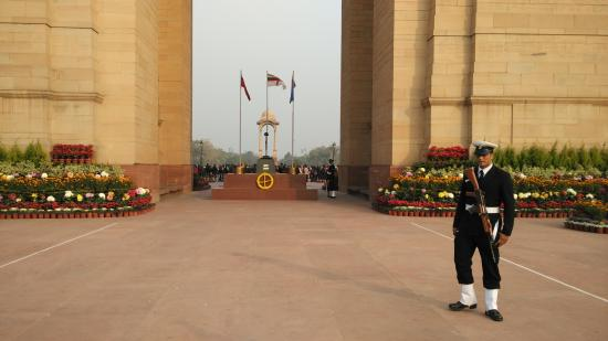 India Gate: Amar Jawan Jyoti, flags of Indian Army, India Navy and Indian