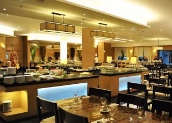 Lovely Quest Hotel And Conference Center   Cebu: Buffet Dining With Small Function  Rooms For Private