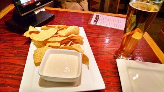 Red Robin America's Gourmet Burgers and Spirits: rectangle plates