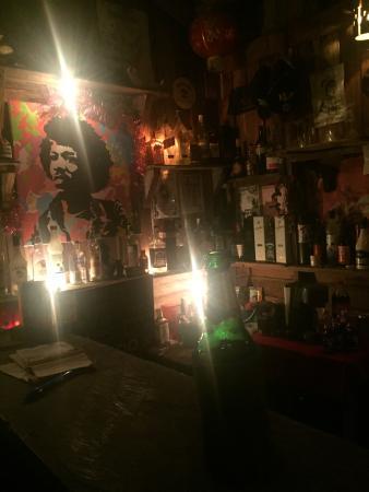 mong bar