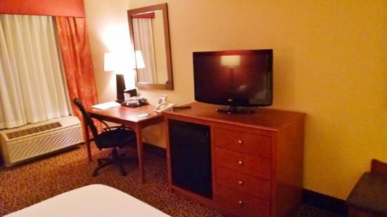 Hampton Inn Chicago-Carol Stream : desk