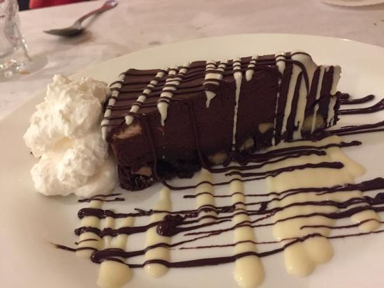Jackie Rey's Ohana Grill: Mousse Cake