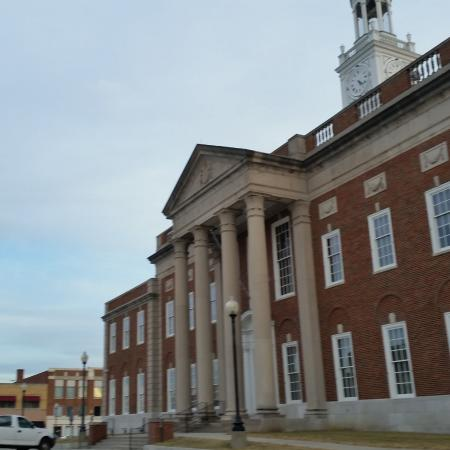 The Truman Courthouse: The courthouse